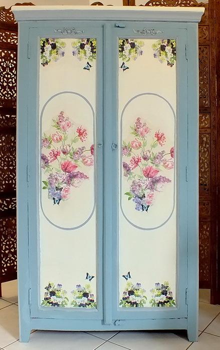 Armoire peinte meuble peint apd 001 int rieur meubles d co for Meuble bois peint